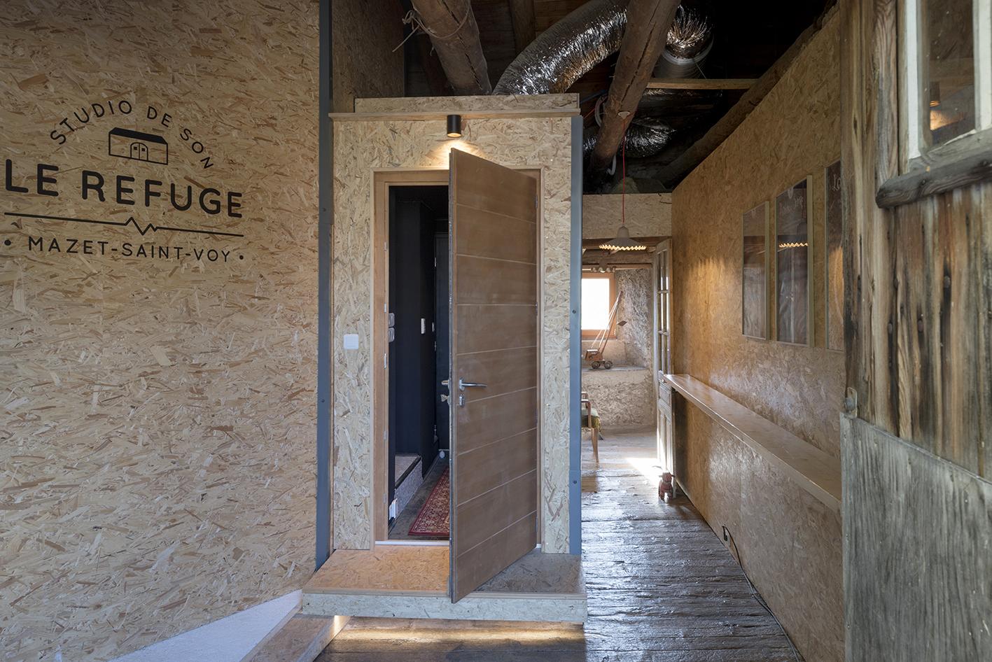 Refuge-Bureaux-Linda-Aydostian-02